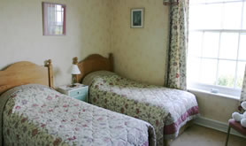 [Grange Farm - Twin bedded ensuite room]